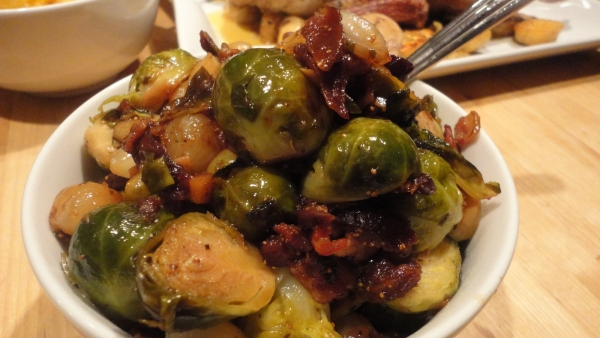Mixed Green Salad with Fig-Yogurt Dressing
