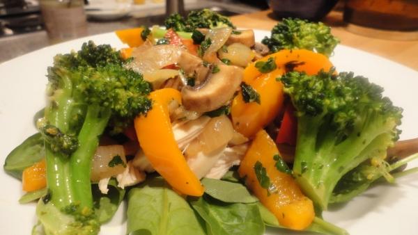 sauted-vegetable-chicken-salad-038
